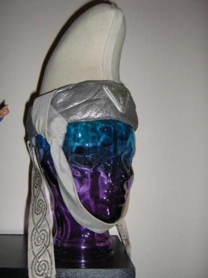 white priestess hat 01